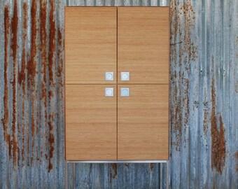 Credenza Moderna Legno Massello : Credenza in legno massello di iroko con grandi cassetti etsy