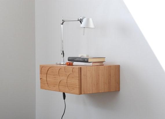 console comodino sospeso con cassetto in stile scandinavo. Black Bedroom Furniture Sets. Home Design Ideas