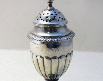 Georgian (1821) Antique English Solid Sterling SILVER Pepper Pounce Pot Pepperette Shaker Caster. Early 19th-century.