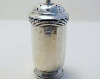 VINTAGE 1925 Solid Sterling Silver Pepper Pot Jar Bottle Shaker Caster Pepperette. English Birmingham Hallmarked.