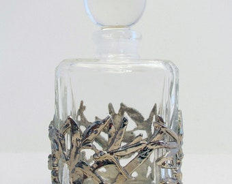 Beautiful Naturalistic/Dragonfly White Metal Pierced Mounted & GLASS Scent Perfume Bottle/Jar. Vintage/Antique