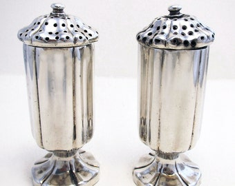 Rare Indian Colonial era (c1880), Art Nouveau Solid Silver 900+ Salt and Pepper Pots Castor Cruet Shaker Set. Hamilton & Co. 19th-century.