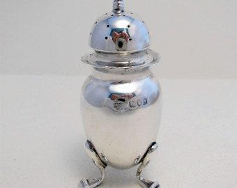 Edwardian ANTIQUE (1903) Solid Sterling Silver Salt/Pepper Pot Jar Bottle Shaker Caster Pepperette. Early 20th-century