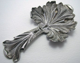 Rare FIG LEAF Pattern Antique Georgian (1830) Solid Sterling Silver English Tea Caddy Spoon (Repaired).