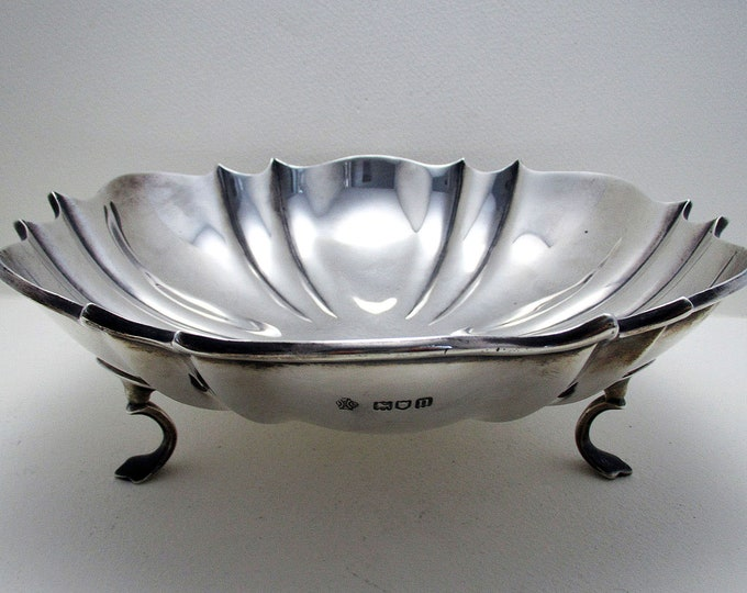 """Featured listing image: Antique (1908) EDWARDIAN 8 1/4"""" wide, Solid Sterling Silver Tazza Fruit Bowl Compote Comport Footed Dish"""