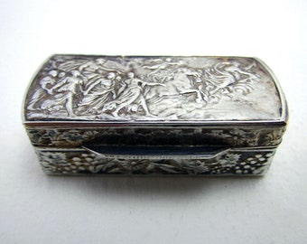 Beautiful Italian Vintage (1975) Solid Sterling SILVER 925 London Import Hallmarked Pill Patch Snuff Pocket Box Case.