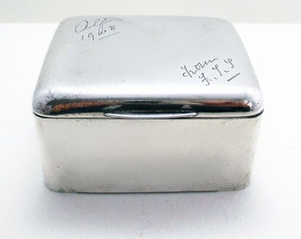 Box/Vesta/Cigarette Case