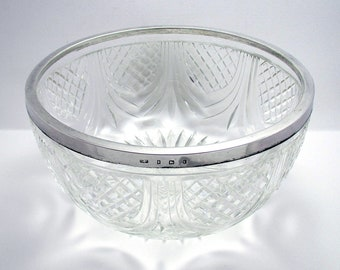 Antique Edwardian (1905) Solid Sterling Silver Rim Mounted Cut Glass Salad/Fruit Bowl Dish, English early 20th-century.