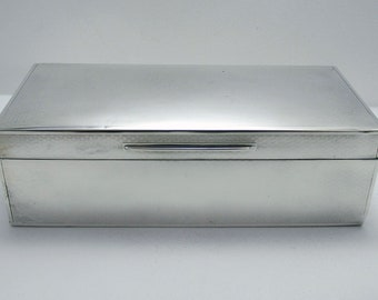 "Large 7 1/2"" Solid Sterling Silver (1923) Table Cigarette Box Cigar Trinket Jewelry Casket Case. English Hallmarked. Antique/Vintage."