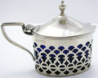 Beautiful CHESTER Pierced Solid Sterling Silver & Bristol Blue Glass Liner Antique Mustard Pot Cruet, Edwardian English 1907 Hallmarked.