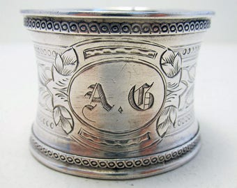 Antique French (c1910) Solid Sterling Silver Minerva .950 Hallmarked Serviette NAPKIN RING. Early 20th-century.