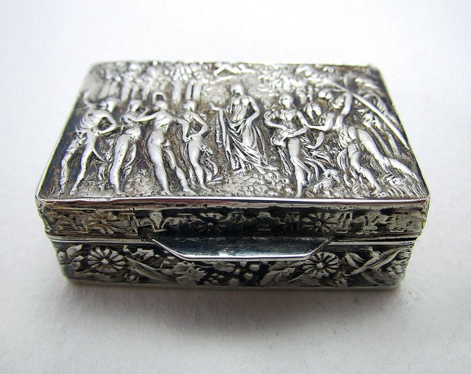 Featured listing image: Beautiful Italian Vintage 1977 Solid Sterling SILVER 925 London Import Hallmarked Pill Patch Snuff Pocket Box Case.