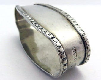 Unusual Large Elongated Oval Solid Sterling Silver Serviette Napkin Ring. Antique/Vintage. English Birmingham Hallmarked.