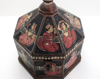 Antique Indian Mughal Octagonal Wooden Turban Marriage Box Casket, Trinket/Jewelry. Northern India 19th-Century.