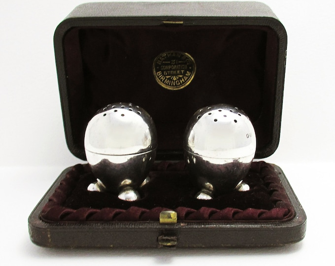 Pair of ANTIQUE Victorian (1887) Solid Sterling Silver EGG Shaped Pepper Pots Shaker Pepperette Cruet, English Birmingham Hallmarked.