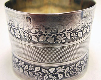 Antique French (c1890) Sterling Silver Hallmarked Large Serviette NAPKIN RING. Flower & Leaf. 19th-century. Minerva .950