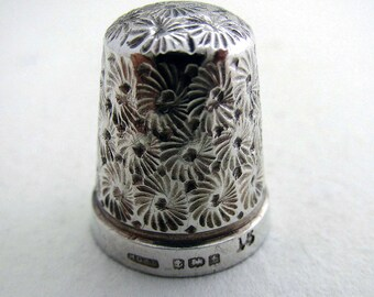 Antique 1918 Solid Sterling Silver Thimble Finger Guard Protector, Size 15. Henry Griffith. English Birmingham Hallmarked.