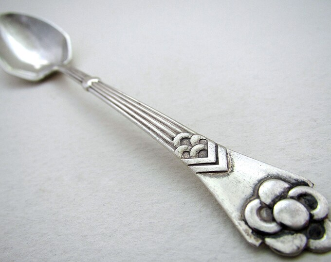 Beautiful Danish (1912) Arts & Crafts Solid Silver ANTIQUE Tea/Coffee Spoon. Denmark Christian F.Heise. Monogram TOPSY.