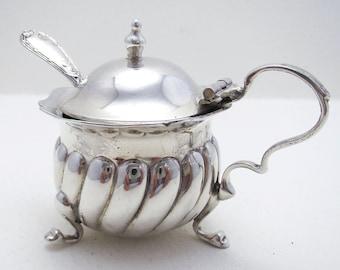 Edwardian (1907) Antique Solid Sterling Silver Wrythen Mustard Pot & Spoon. English Birmingham Hallmarked. William Disney Barlow.