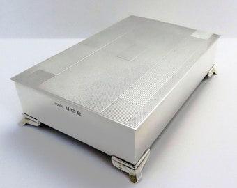 Elegant Sterling Silver Table Cigarette Box Cigar Trinket Jewelry Casket Case Vintage Art Deco style. English Birmingham hallmarked.