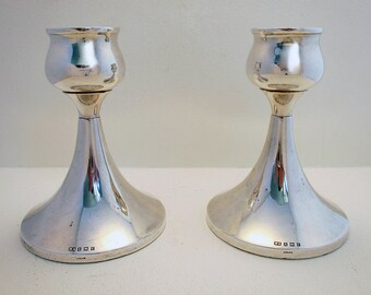 """50s Pair of 5"""" tall Modernist Arts and & Crafts design Solid Sterling Silver Candlesticks Candle Holders. 20th-century."""