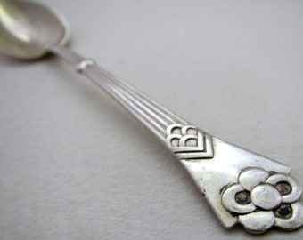 Beautiful Danish (1913) Arts & Crafts Solid Silver ANTIQUE Tea/Coffee Spoon. Denmark Christian F.Heise. Monogram APD.