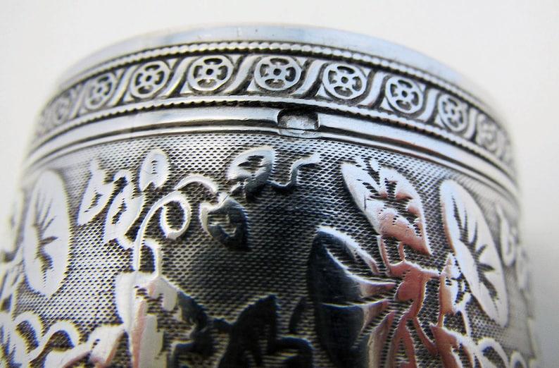 c1890 Beautiful Antique French 19th-century Solid Sterling Silver Hallmarked Serviette NAPKIN RING GUILLOCHE Tumpet Vine.