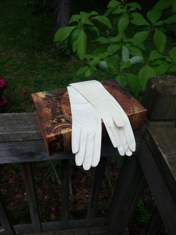 Kid Gloves, NOS, leather gloves, white leather glo