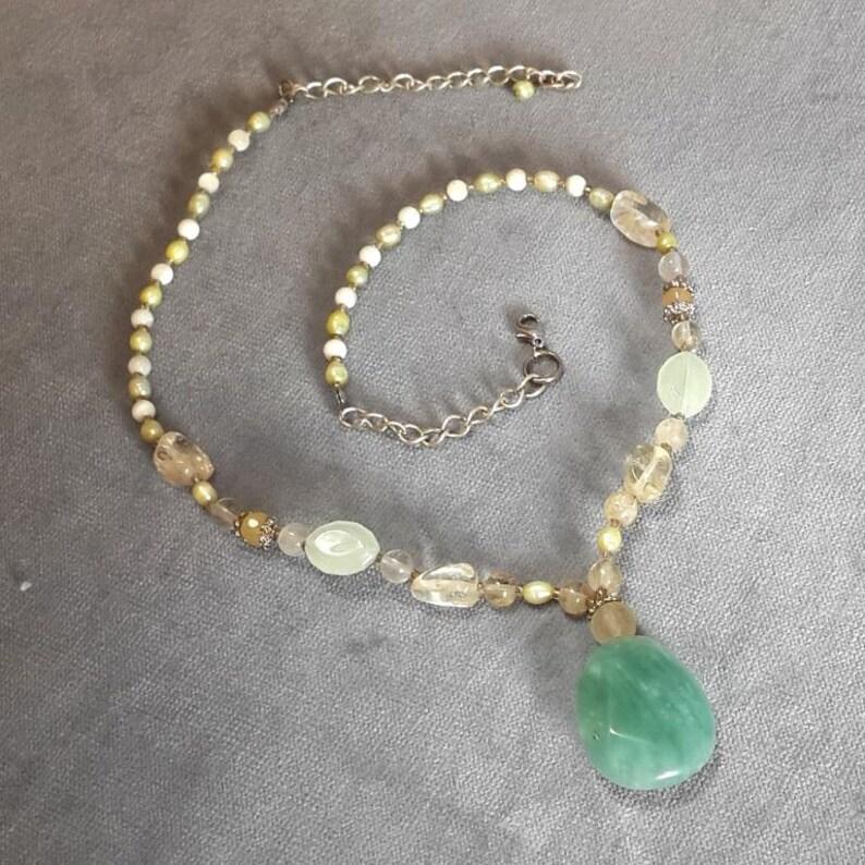 96f706ef383e Vintage piedra verde ágata collar con perlas de río cultivadas