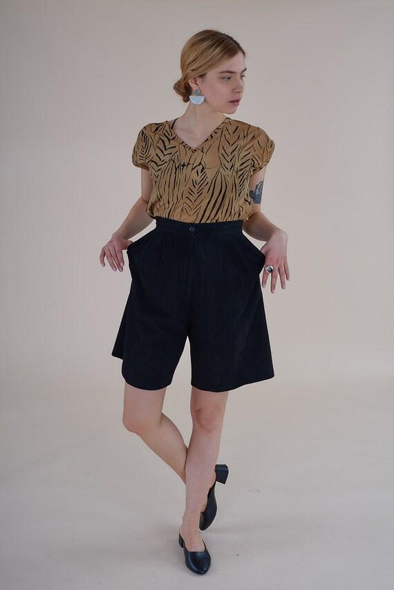 Vintage Suede Black Shorts