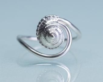 Whelk Wave Ring - Silver Seashell Swirl Band