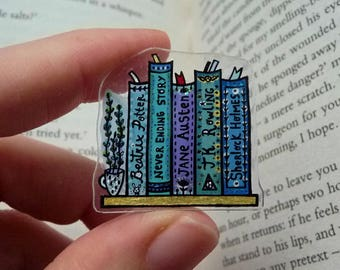 CUSTOMIZABLE BOOKSHELF PIN with Favourite Titles, Writers, Artists | Book Pin Brooch, Book Lover Gift, Custom Bookmark, Bookish Jewelry Gift