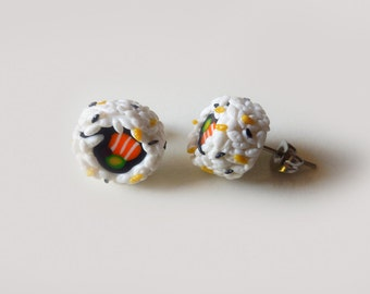 Orecchini con sushi in fimo, orecchini con uramaki, sushi in miniatura