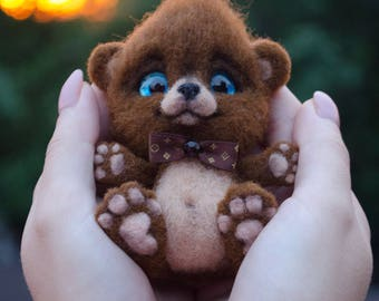 Teddy Bear needle felted toy, Collectible Art, Designer Figurine, Eco-Friendly Decor, Felted Art Sculpture, Themed Animal Toy, Cute Gift