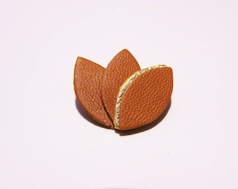 Camel leather and gold petals brooch