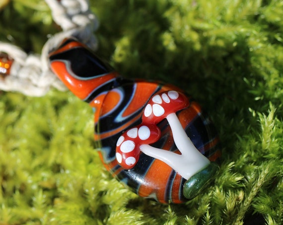 Mushroom Necklace, Glass Mushroom, Wigwag Pendant, Mushroom Hemp Choker Necklace, Hemp Necklace, Mushroom Jewelry, Shroom