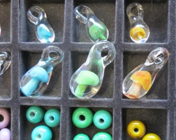 """Glass Mushroom Pendant // CUSTOM COLOR - Large 1.5"""" Tall  // Glass Mushroom Necklace, Hand Blown Glass Mushroom Pendant, Mushroom Necklace"""