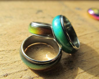 Metal Mood ring, color changing dread beads, Heat sensitive,   Color change jewelry, size 5-10,  15mm-20mm