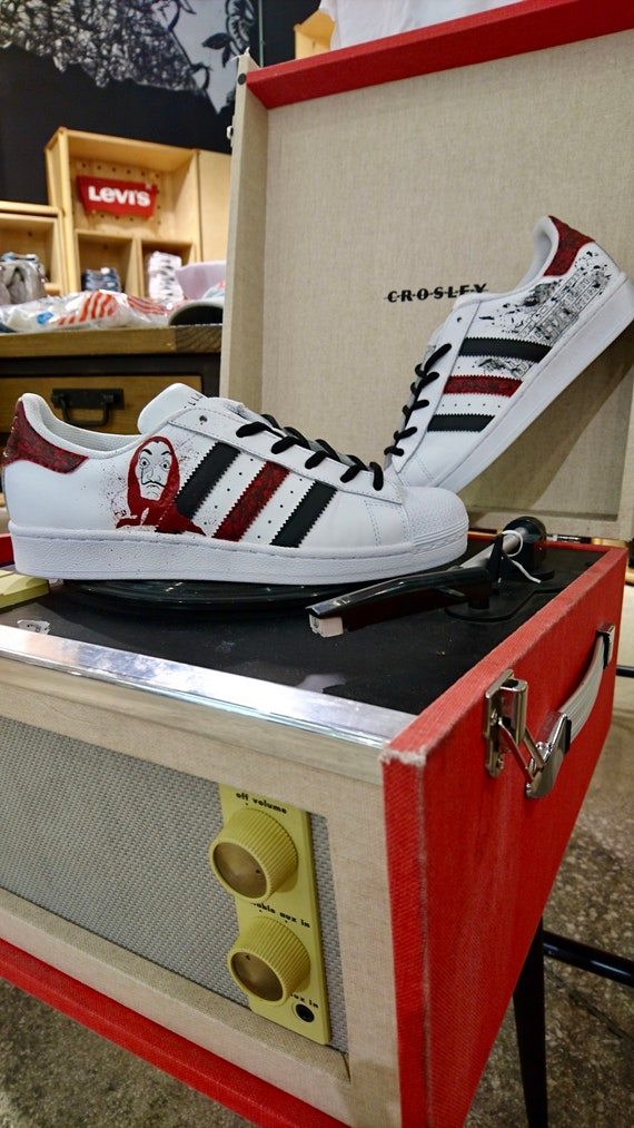 sneakers for cheap 42338 8415f Adidas Superstar casa papel custom