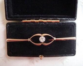 GOLD BROOCH 9 ct  9k with 0.07 ct Diamond - original box - Edwardian-  Victorian ?