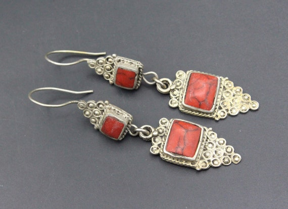 Vintage turkman silver earrings from Afghanistan handmade with agate
