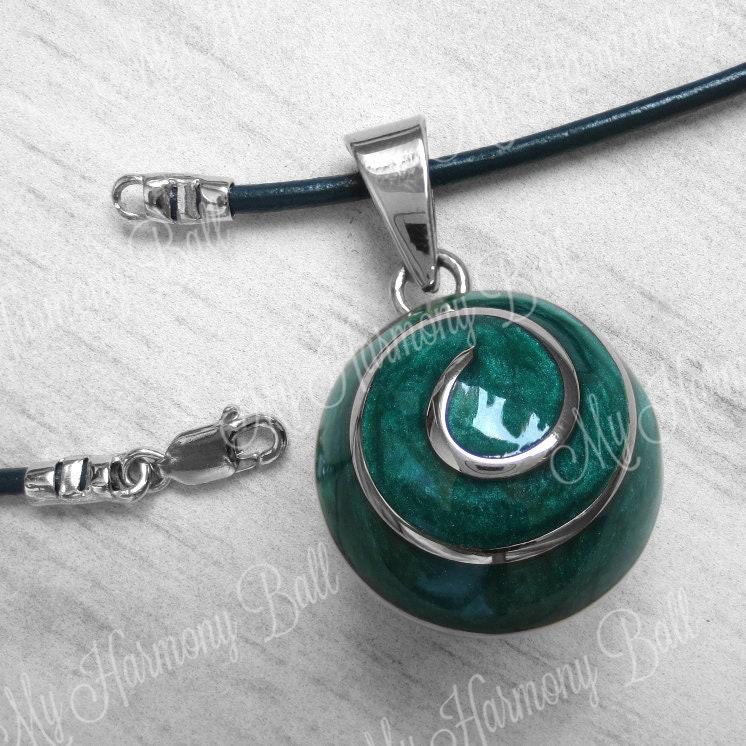 bola de grossesse vert collier boule bola ange appelant etsy. Black Bedroom Furniture Sets. Home Design Ideas