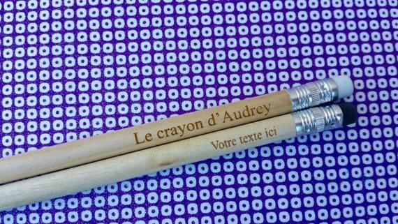 5 crayons identiques crayons /à papier personnalis/és en bois . bois grav/é avec votre texte Crayons personnalis/és argent/és x 5