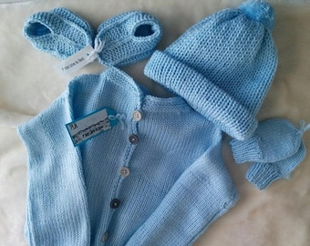 Set 0-4 months for boy knit