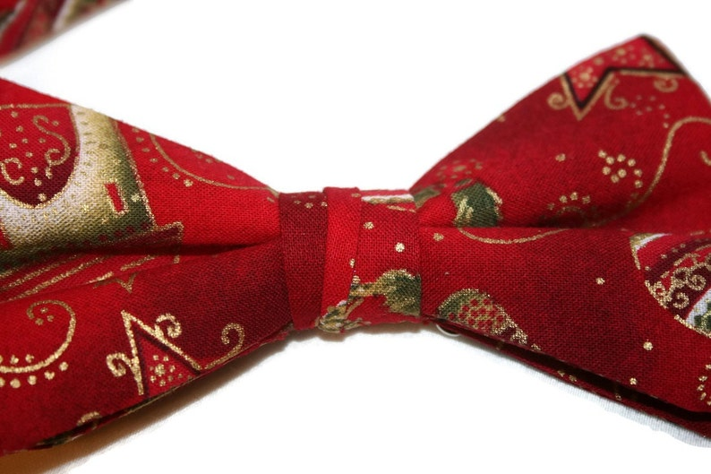 Baby to Adult Men/'s Sizing Crafted in the USA Handmade Pre-Tied Bow Tie Red /& Gold Christmas Celebration Holiday Design