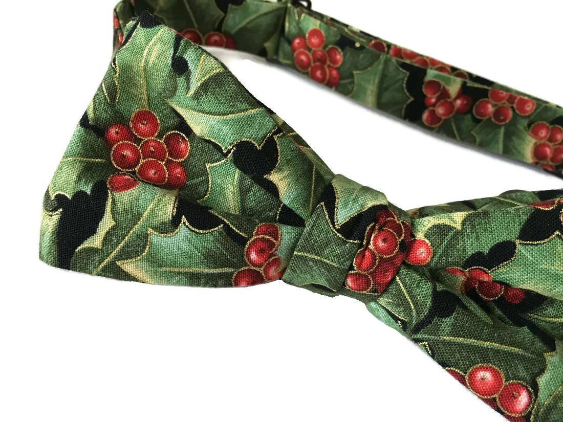 Men/'s Self-Tie Green Holly Berry Bow Tie with Gold Metallic