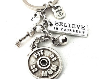 FIT MOM Keychain Gym Mom - Gift Mom life - Motivation Gift - Sports mom - Strong Mom- Gym Mom gifts - fitness mom - Gym quotes by Wod & Fit