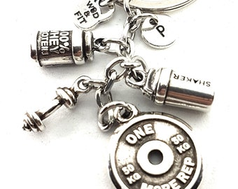 Keychain Performance Workout 100% Whey Protein Shaker,Barbell & Initial,Bodybuilding,Fitness Jewelry,Coach Gift,Crossfit,Bodybuilder Gift