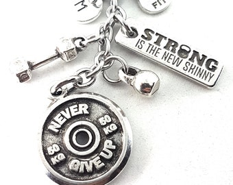 Keychain Never Give Up FitPlate Workout Dumbbell, Kettlebell Motivation & Initial.Bodybuilding Jewelry,Fitness Gift,Fitgirl Gym,Crossfit Wod