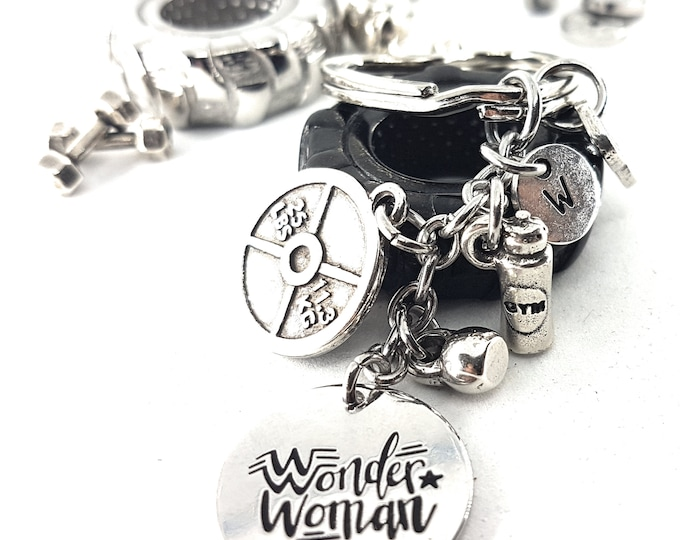 Keychain Wonder Woman Fit 25lbs Workout,Weight Plate Initial,Kettlebell,Motivational Gift,Gym jewelry, Fitmom,Fit Girl,Bodybuilding,Crossfit